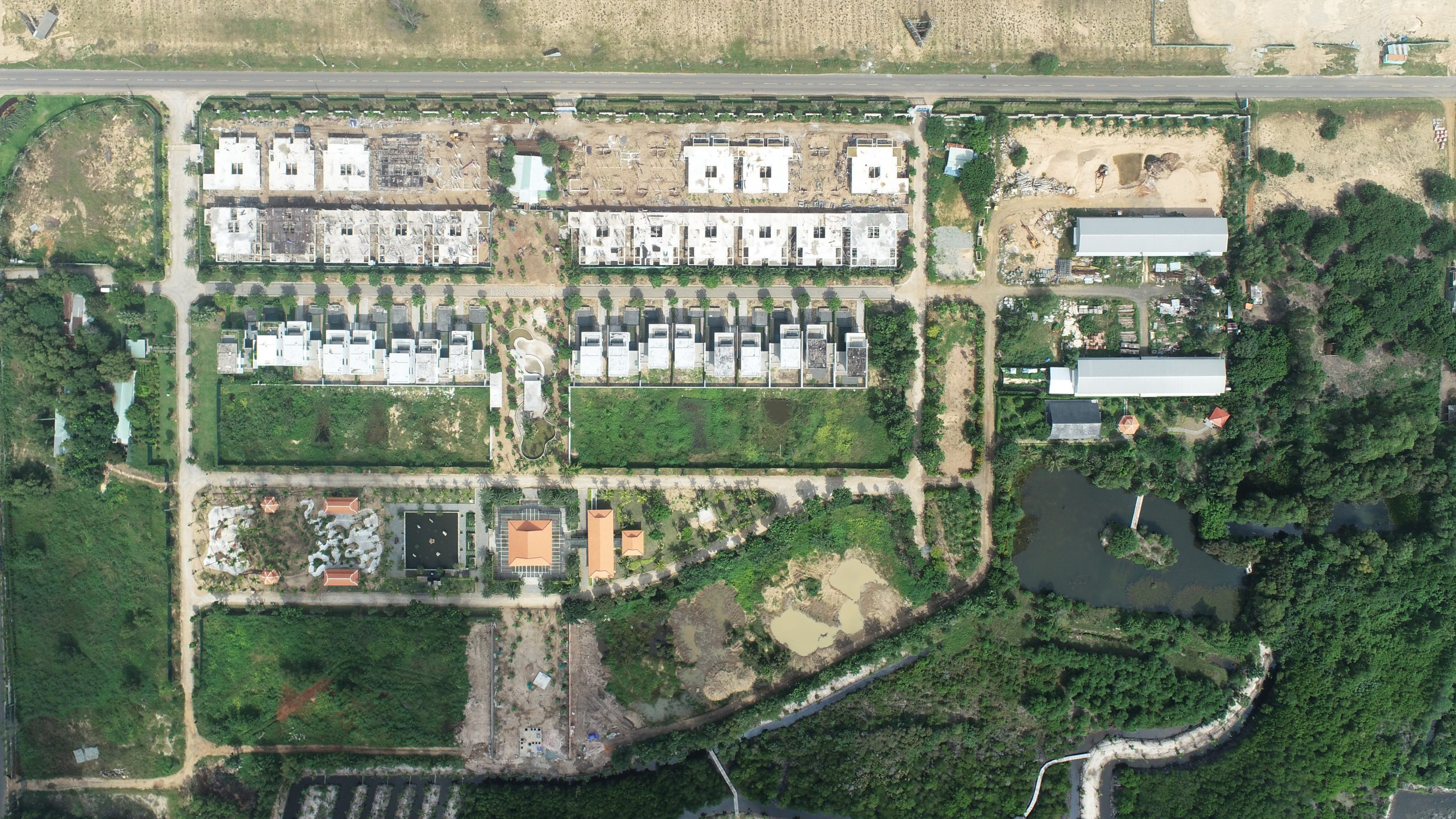 Tiến độ thi công khu nghỉ dưỡng Wyndham Grand Lagoona Binh Chau